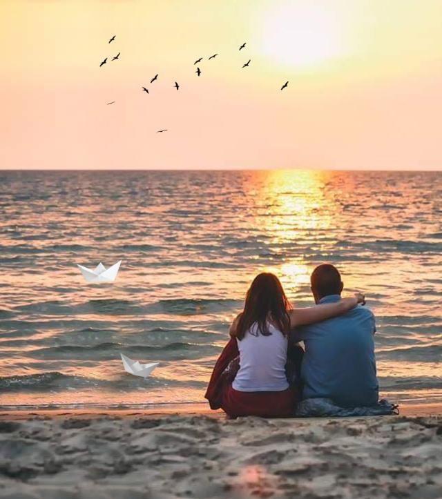 casal- praia - sol - barquinhos de papel-52868259_2251918488408668_5692273406116888576_n